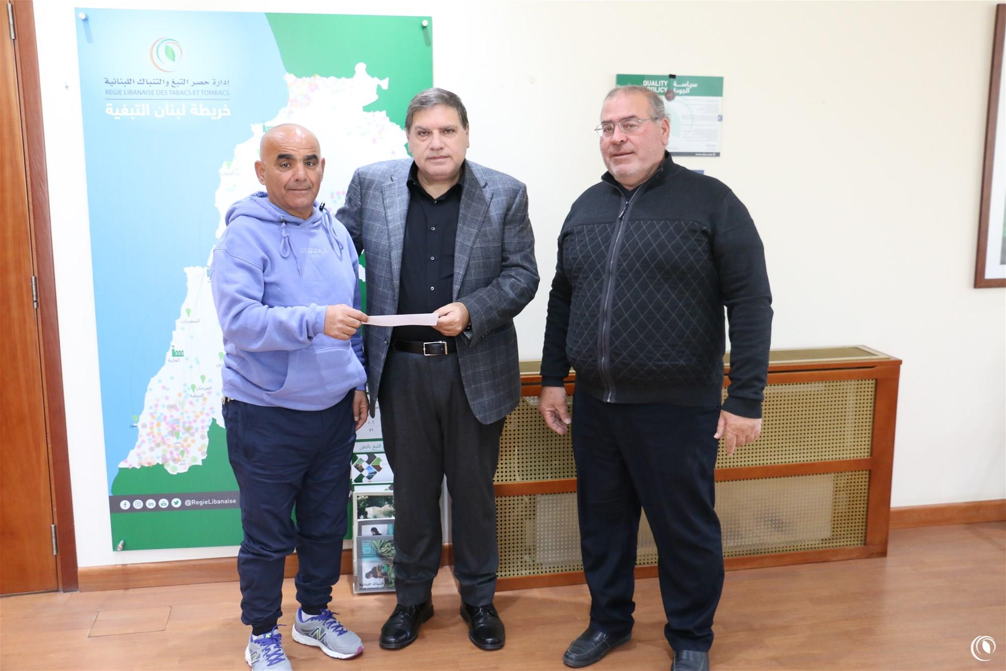 Regie offers financial grant to Sidon's Fishermen Syndicate