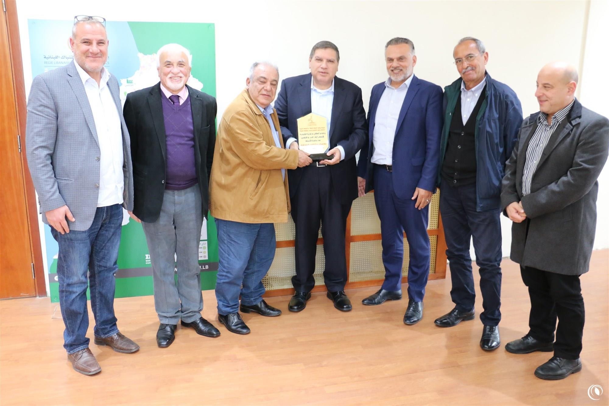 Al-Bazouriye Municipality Receives Financial Grant from Regie to construct Social Hall